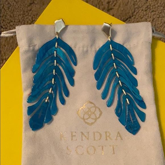 Kendra Scott turquoise blue drop earrings!